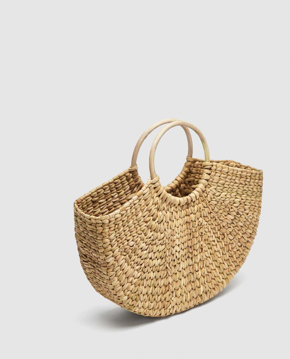 zara beach bag.jpg